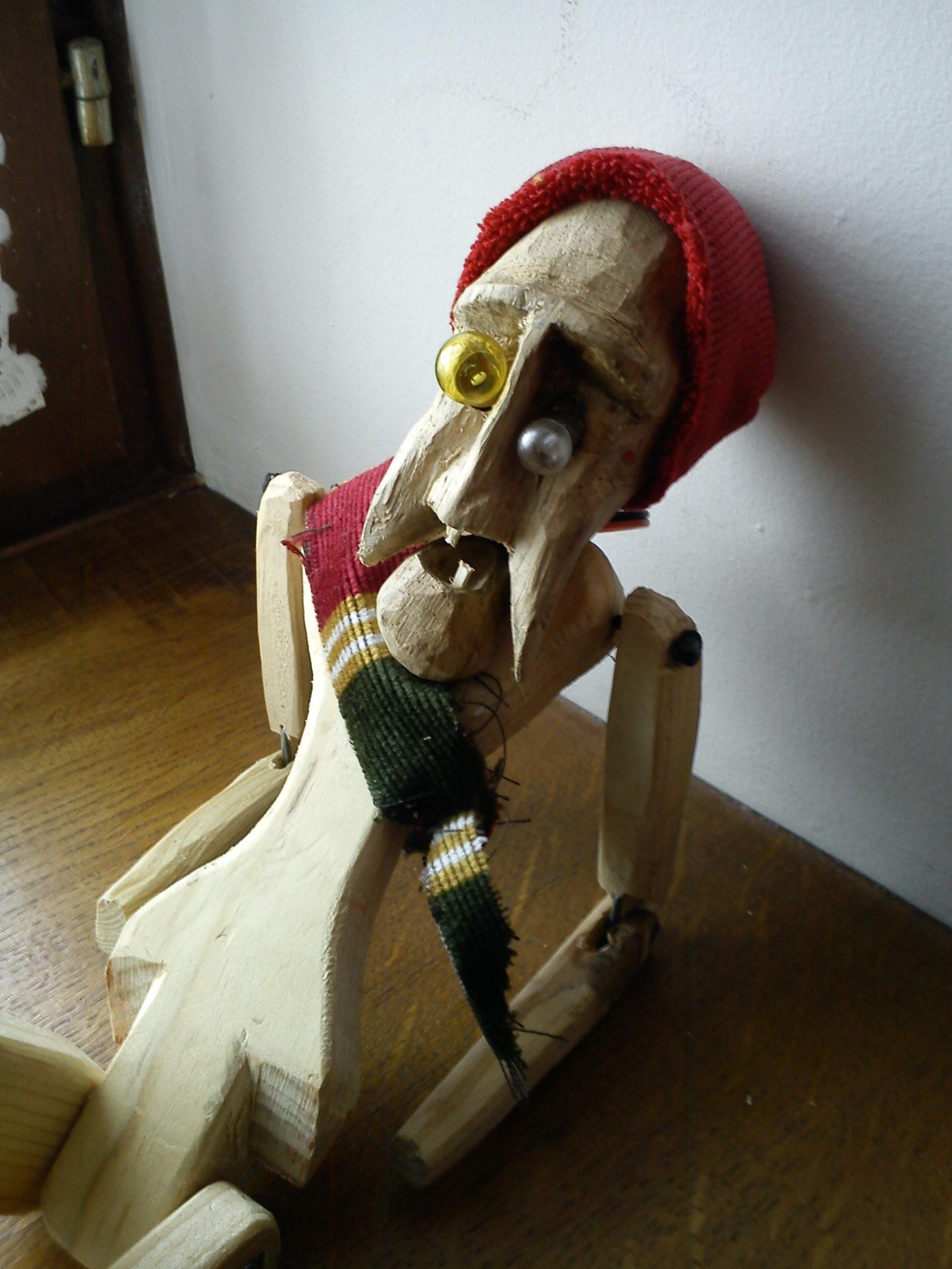 Article sur la fabrication d une marionnette l 39 atelier de peyo - Fabriquer une marionnette articulee ...