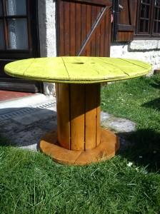 article sur la construction d une table avec un vieux touret l 39 atelier de peyo. Black Bedroom Furniture Sets. Home Design Ideas