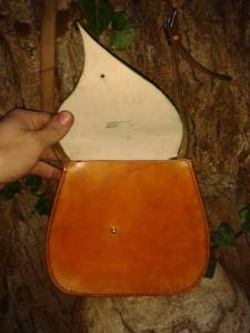 Sac cuir artisanal modèle ''Feuille'' ouvert