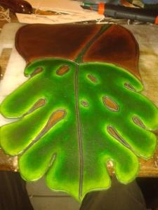 Sac artisanal en cuir modèle ''Monstéra'' Vue avant assemblage