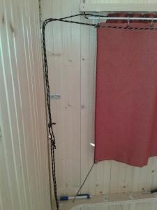 système de rétention des rideaux de scène