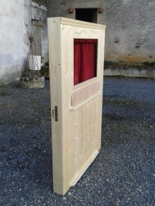 Article construire un th atre de marionettes tapes tapes l 39 atelier de peyo - Fabriquer un theatre de marionnettes en bois ...