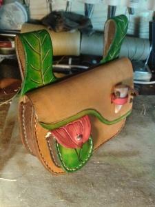 sac cuir modèle ''coclicorne'' vue profil