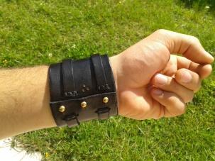 Bracelet de force noir vue arrière
