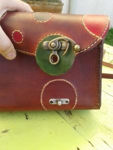 Sac cuir artisanal ''Sakapois 2'' système de fermeture