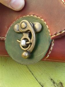 boucle Sac cuir artisanal ''Sakapois 2''